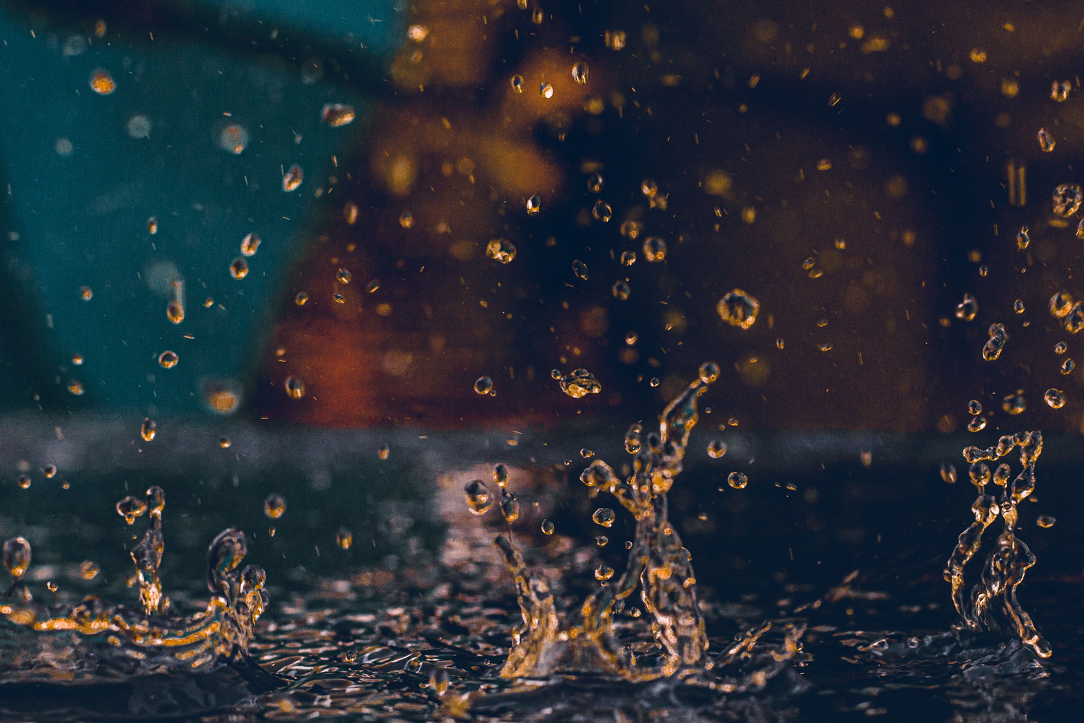 Golden Drops Trinity - Photography by Cedric Blei - friendmade.fm